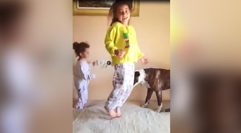 Girls teach two Teaching 2